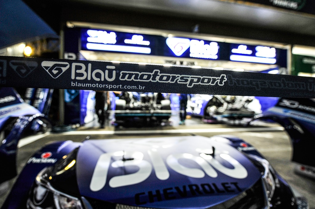 Photo of Stock Car – Blau Motorsport agita chegada a Porto Alegre com carreata no centro e visita ao Hospital Conceição
