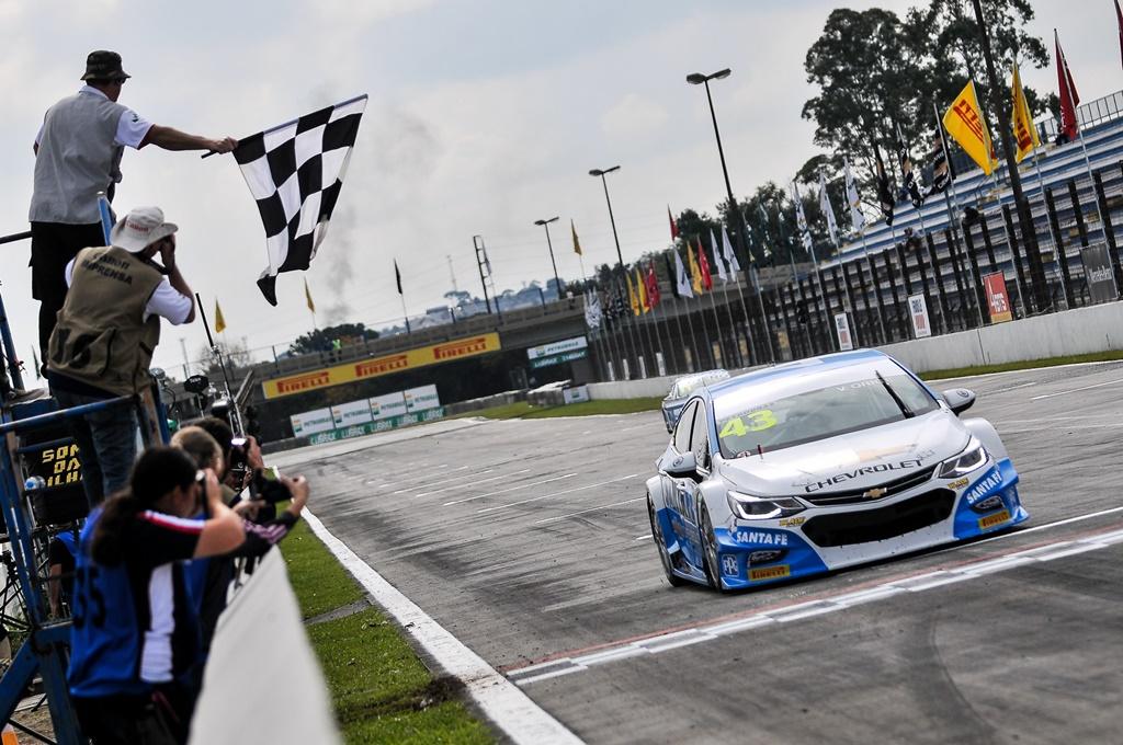 Photo of Vicente Orige vence a primeira em Curitiba pela Copa Petrobras