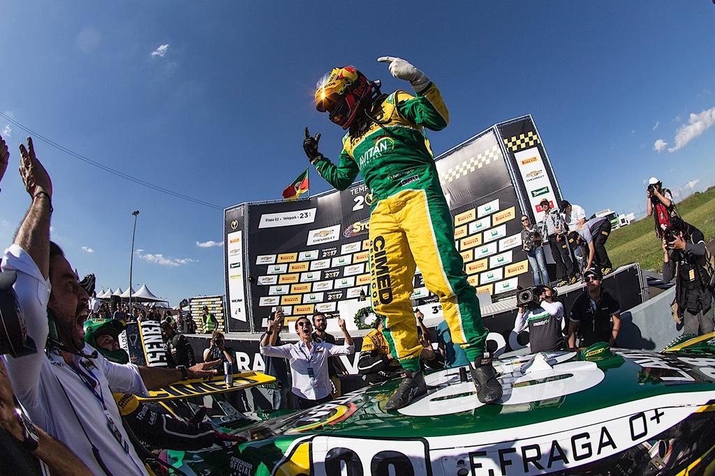 Photo of Vitória e recorde de pontos em Curvelo colocam Felipe Fraga de volta à briga na Stock Car
