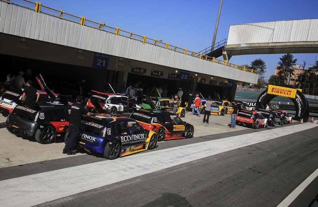 Photo of Sprint Race: Gabriel Lusquiños vence a primeira corrida da quarta etapa, em Interlagos