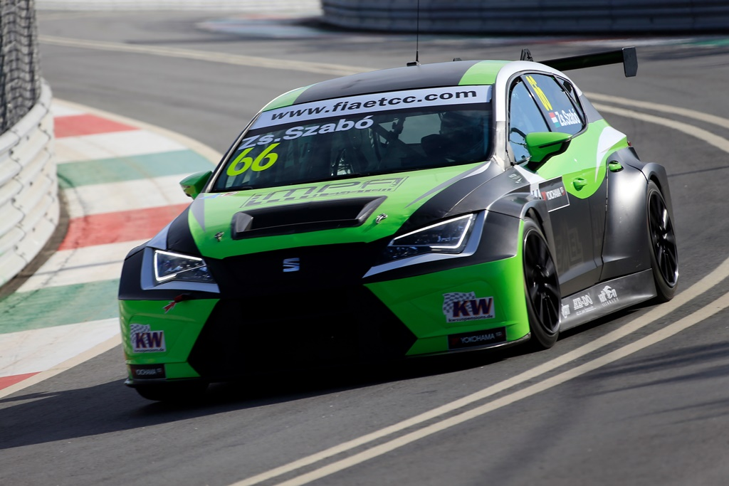 Photo of SZABÓ HANDED WTCC CHANCE WITH ZENGŐ