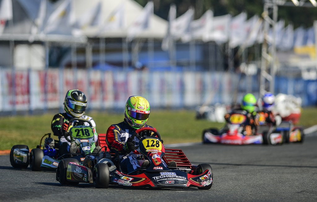 Photo of Academia Shell chega ao último dia do Brasileiro de Kart com chances de título