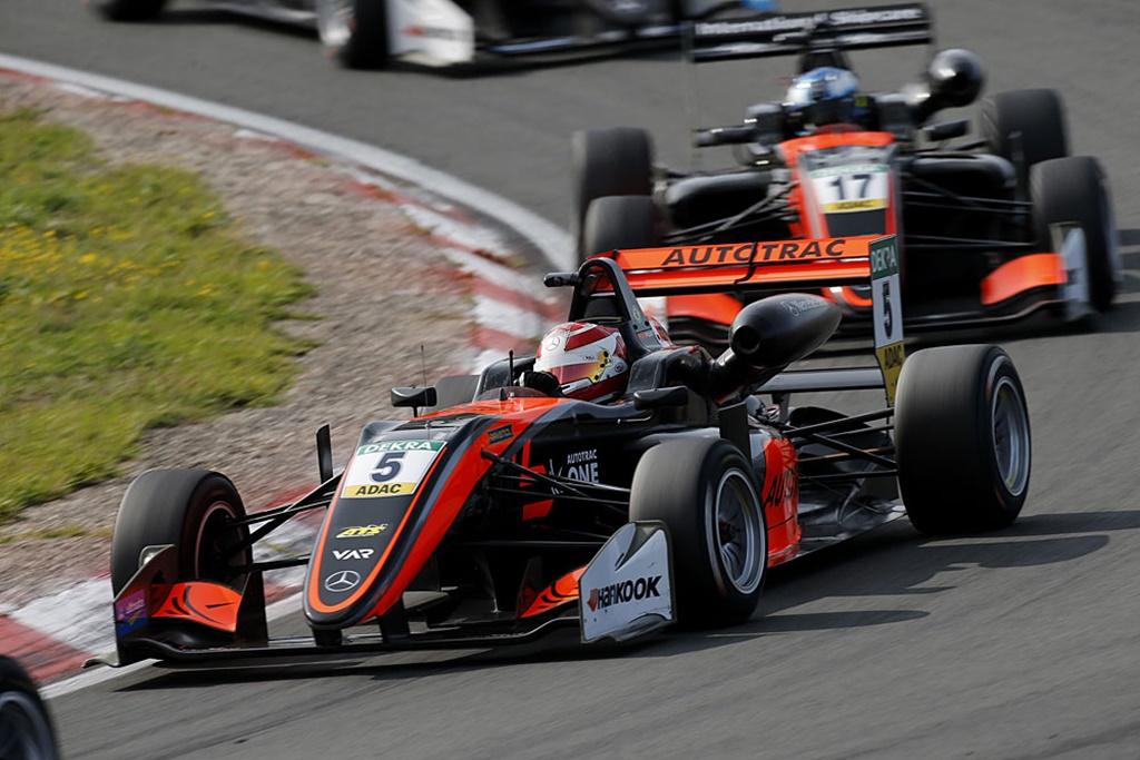 Photo of Pedro Piquet fica a menos de um segundo de conquistar mais um top5 na FIA Fórmula 3 Euro