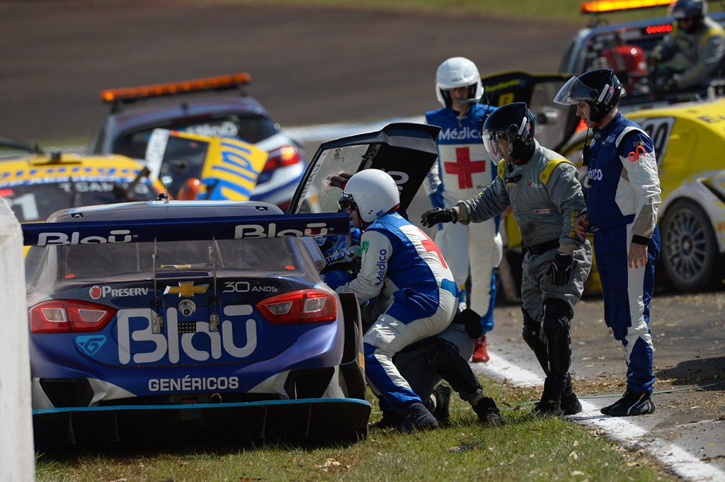 Photo of Stock Car: acidentes atrapalham evolução da Blau Motorsport em Londrina