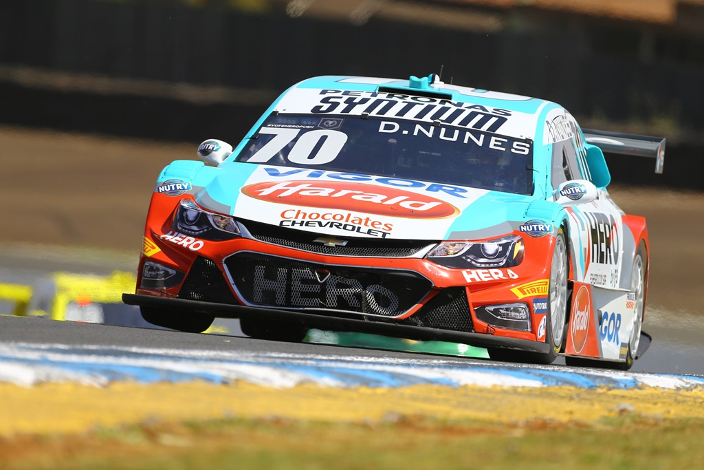 Photo of Stock Car – Diego Nunes aparece entre os mais rápidos em Tarumã