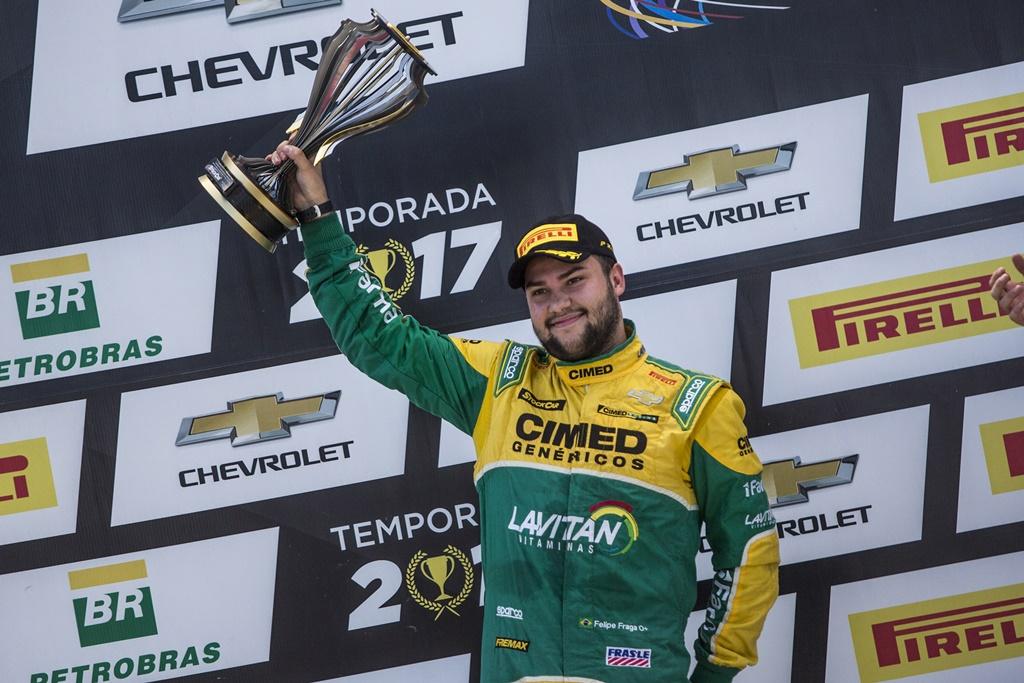 Photo of Stock Car – Felipe Fraga sobe no pódio em Tarumã após largar do 27º e segue em terceiro no campeonato