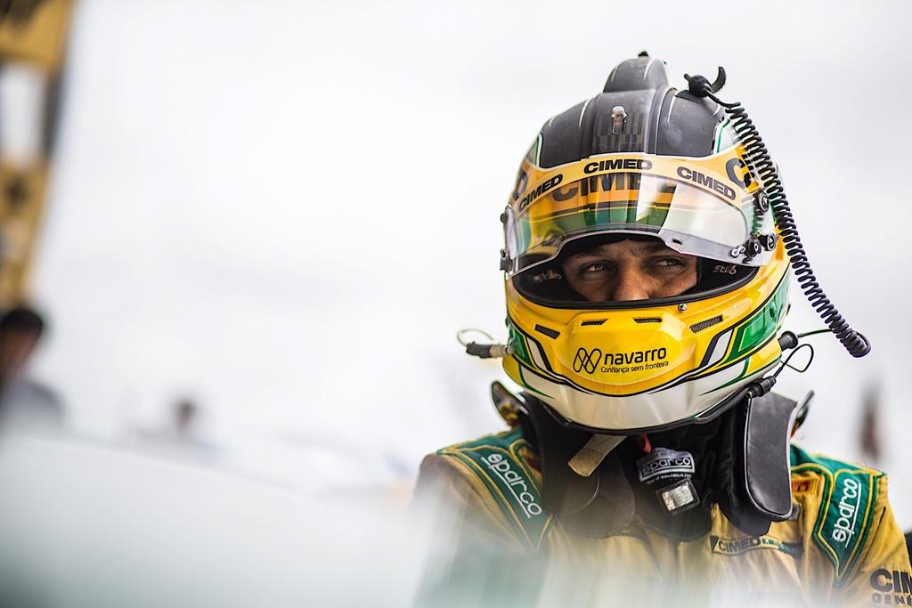 Photo of Stock Car – Denis Navarro celebra bom momento  com a Cimed Racing
