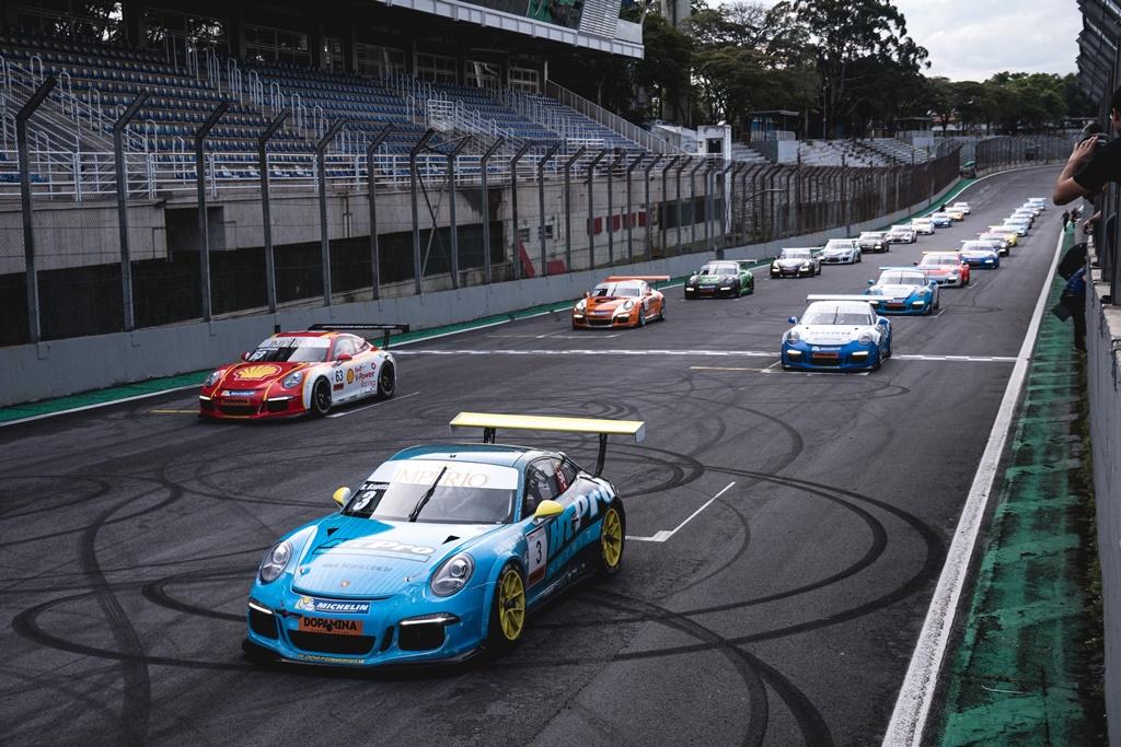 Photo of Porsche Império GT3 Cup – Chega ao fim de semana decisivo de Sprint com dois títulos em disputa