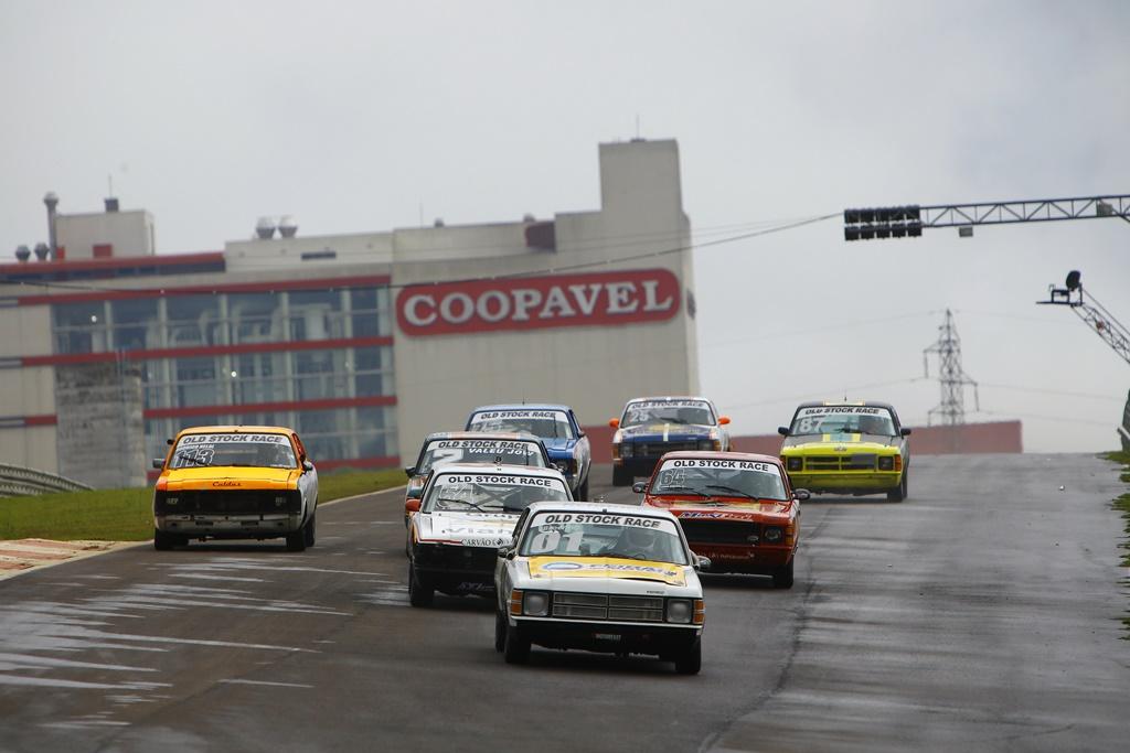 Photo of Old Stock Race – Pimenta vence e Helal é segundo na primeira prova