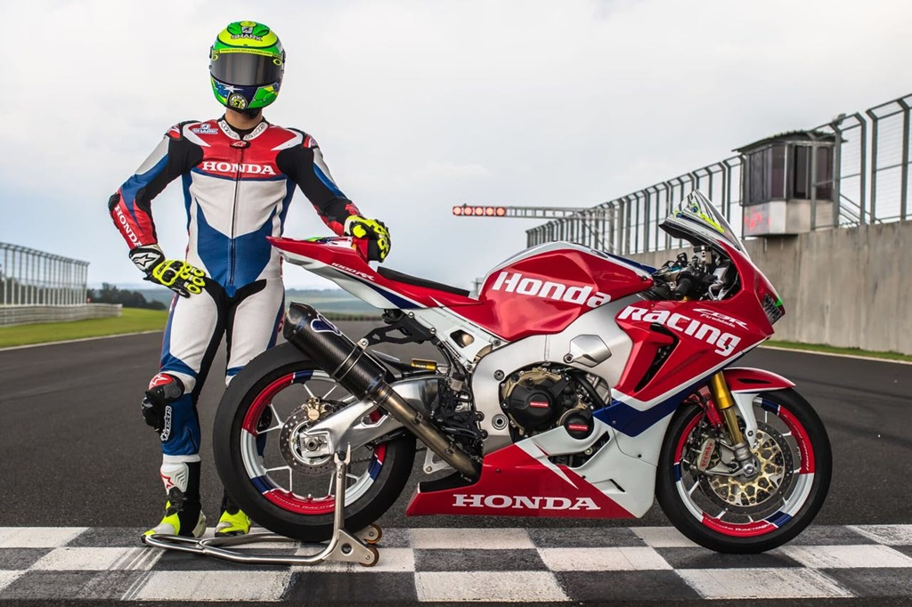 Photo of Moto2 – Eric Granado inicia treinos pré temporada para 2018