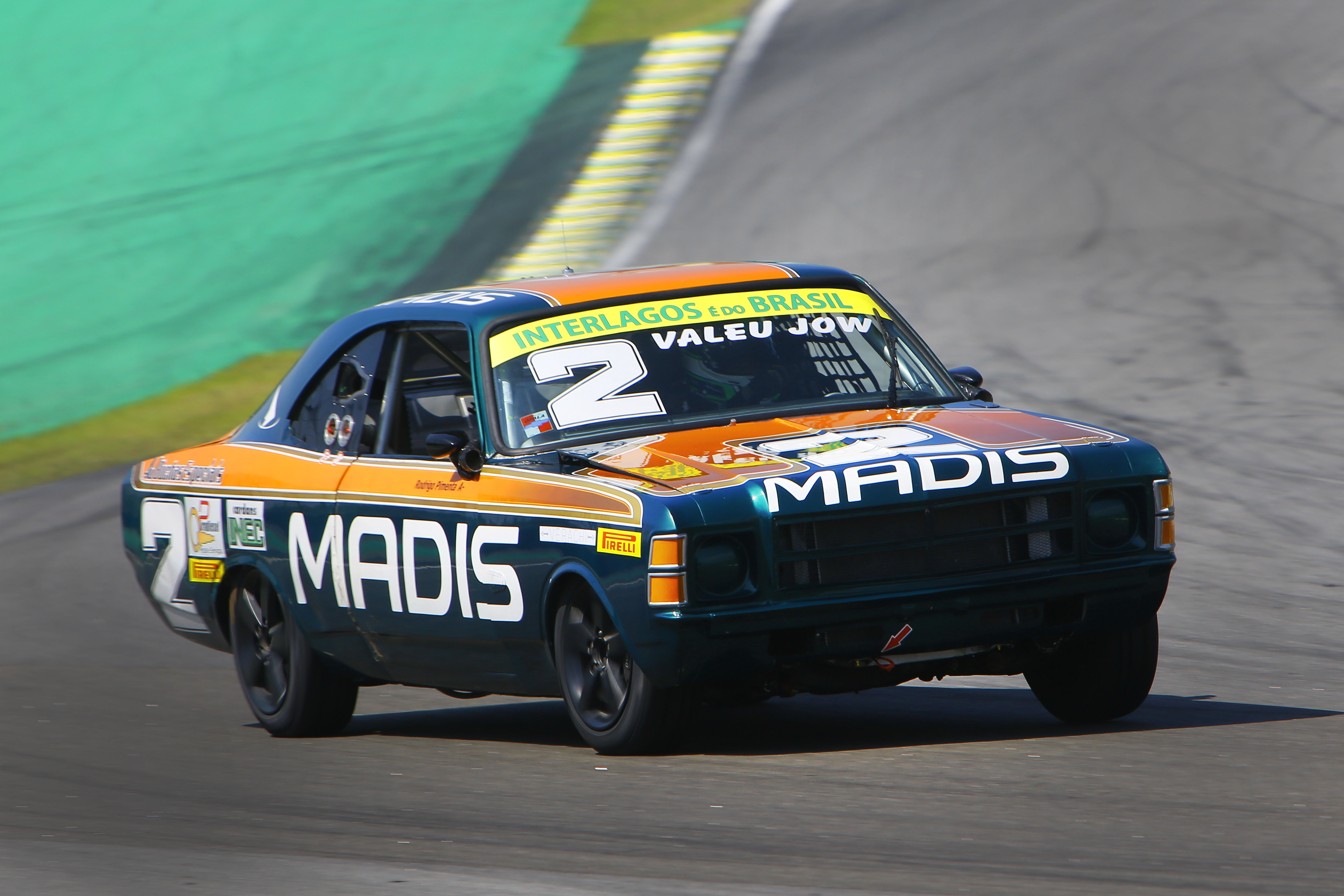 Photo of Old Stock Car – Rodrigo Pimenta é Bi Campeão e a Old Stock Race Vive um Dia Memorável