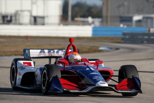 Photo of Indy – Matheus Leist impressiona em primeiro teste com AJ Foyt e destaca velocidade