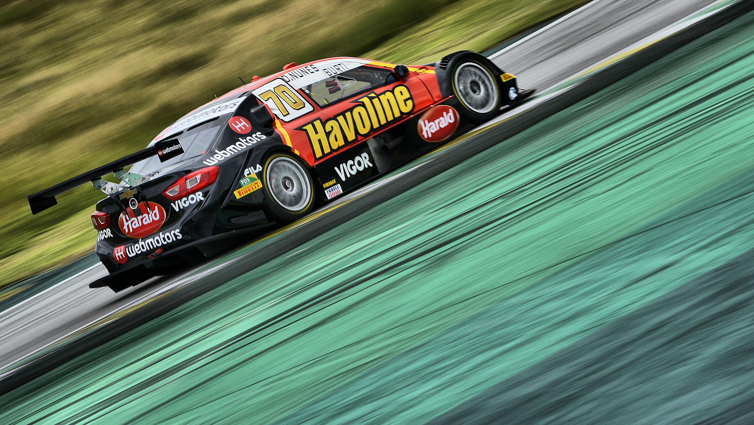Photo of Stock Car – Com o pé direito Nunes e Burti entre os dez melhores em Interlagos