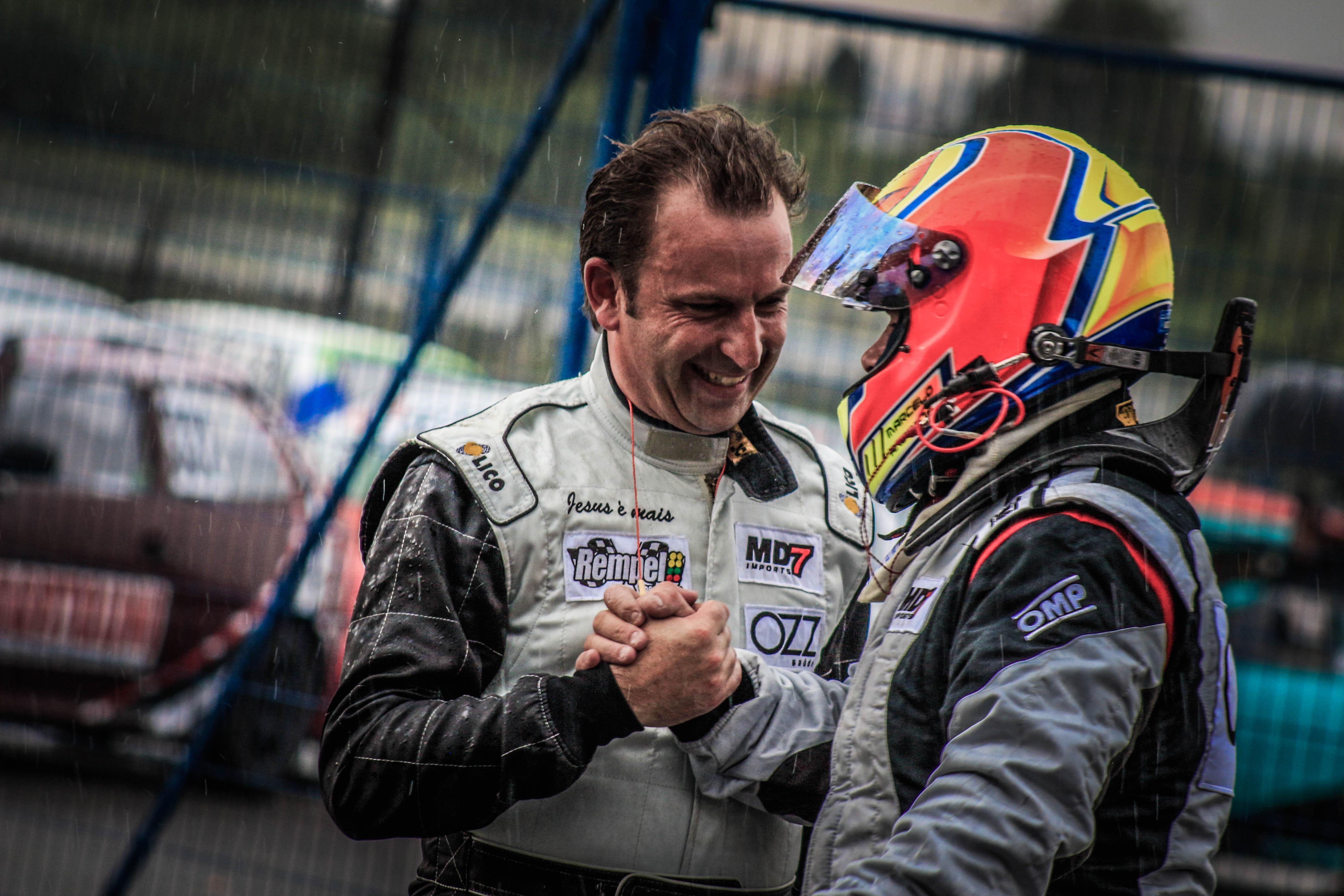 Photo of Marcas e Pilotos – Marcelo Andrade e Emerson Rempel cumprem o objetivo na estréia no Marcas e Pilotos de Curitiba