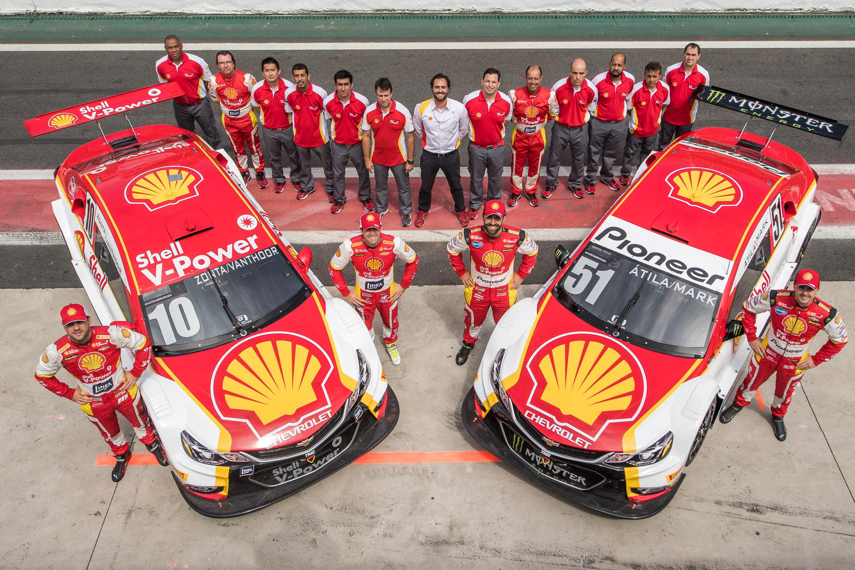 Photo of Stock Car – Com atuações combativas na chuva, duplas da Shell V-Power saem com pontos de Interlagos