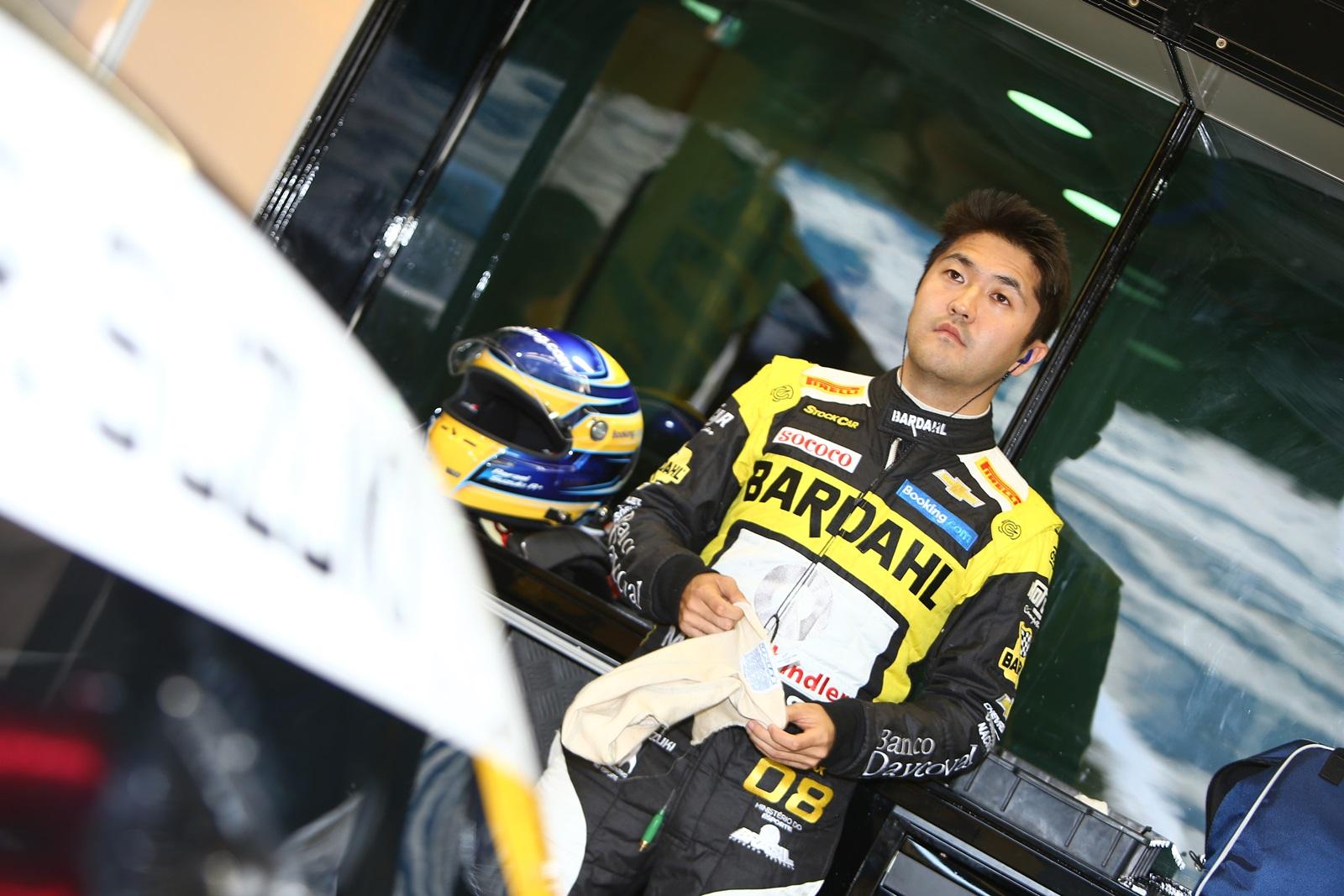 Photo of Stock Car – Rafael Suzuki fica entre os 10 melhores nos dois treinos livres em Curitiba