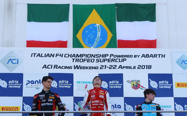 Photo of F4 Italiana – Enzo Fittipaldi vence e leva bandeira brasileira ao topo do pódio na primeira etapa