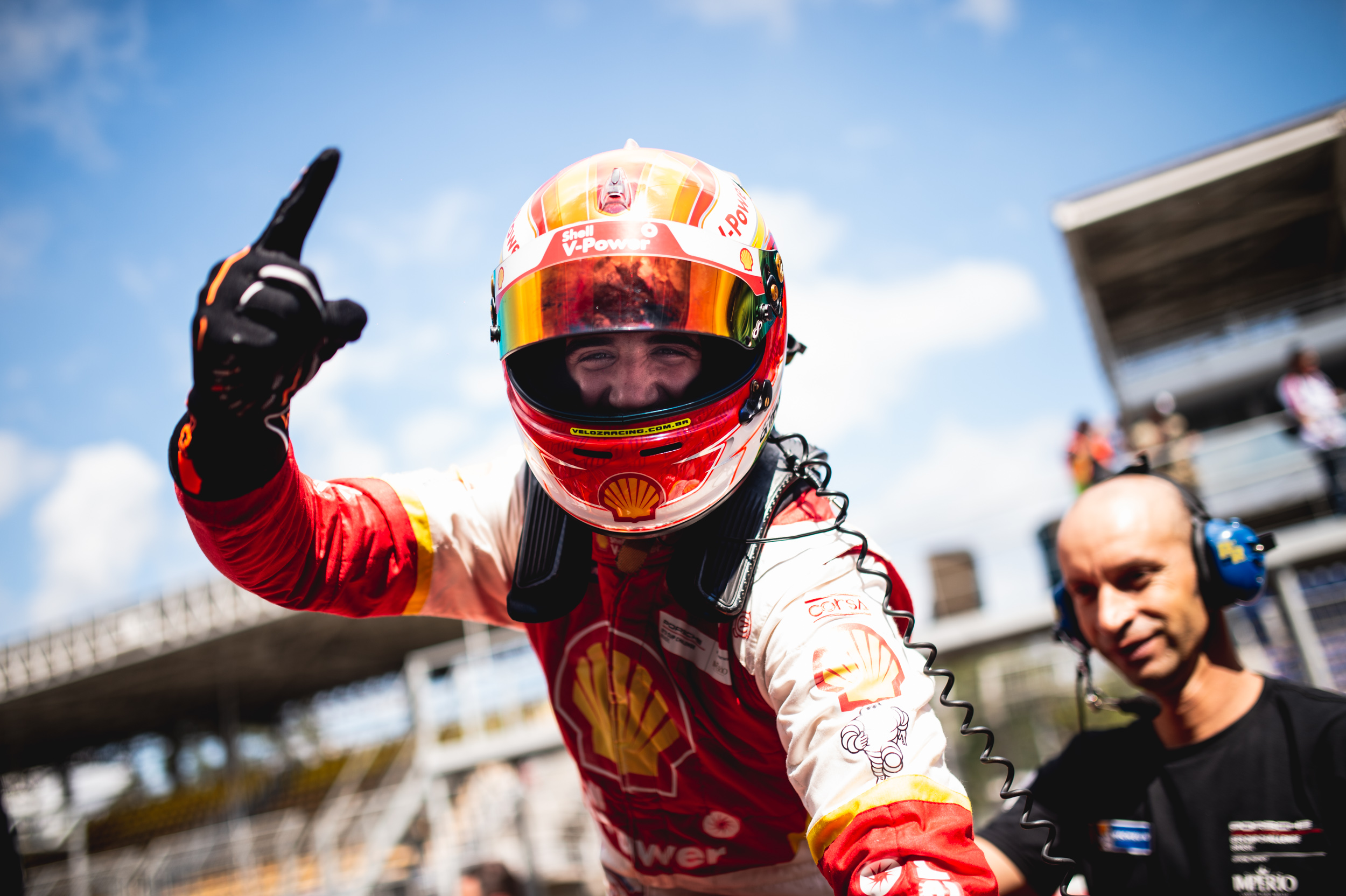 Photo of Porsche Carrera Cup – Gaetano di Mauro dá a primeira vitória para a Academia Shell Racing em 2018