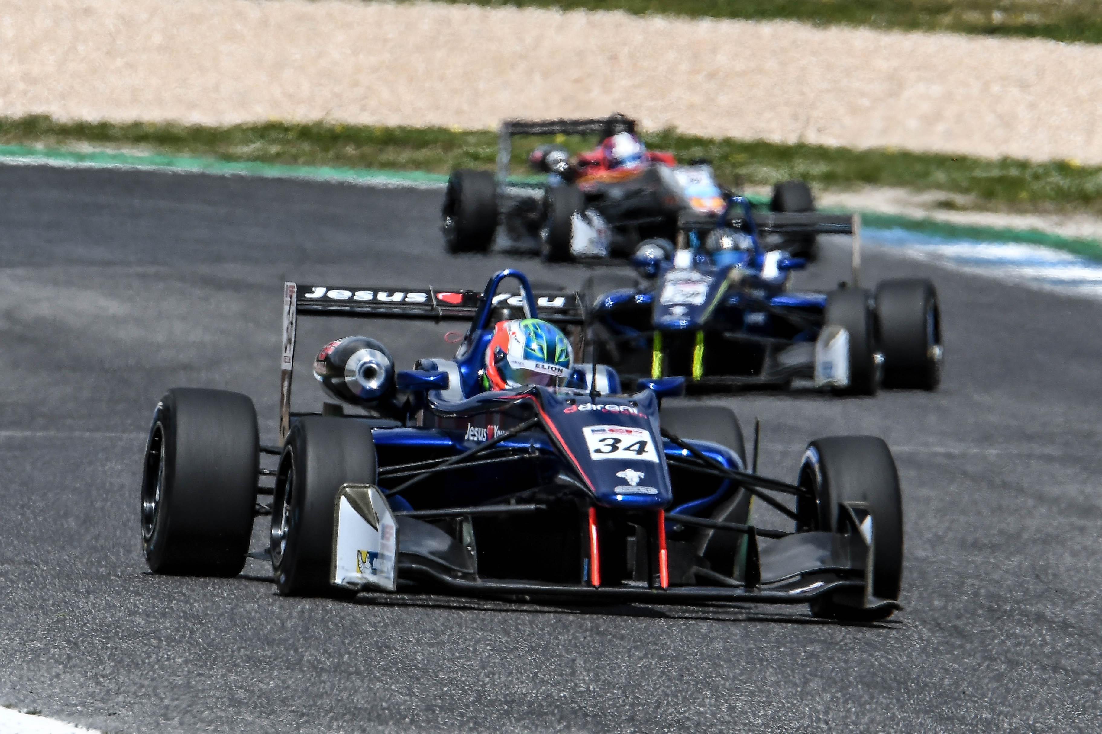 Photo of Euro Formula F3 Open – Matheus Iorio é o destaque nas primeiras voltas e termina rodada do Estoril em quinto na tabela