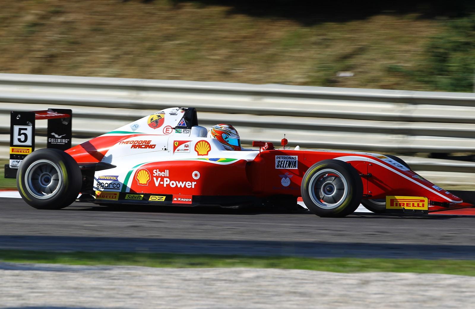 Photo of F4 Italiana – Gianluca Petecof estreia na Fórmula 4 Italiana com pódio e termina etapa em Adria na terceira posição na tabela