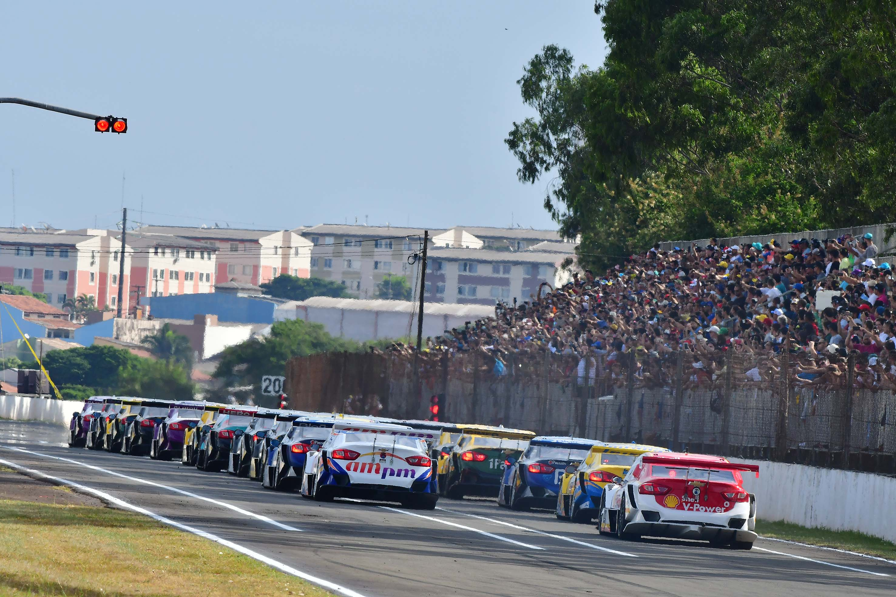Photo of Stock Car – Max Wilson e Lucas di Grassi triunfam em Londrina
