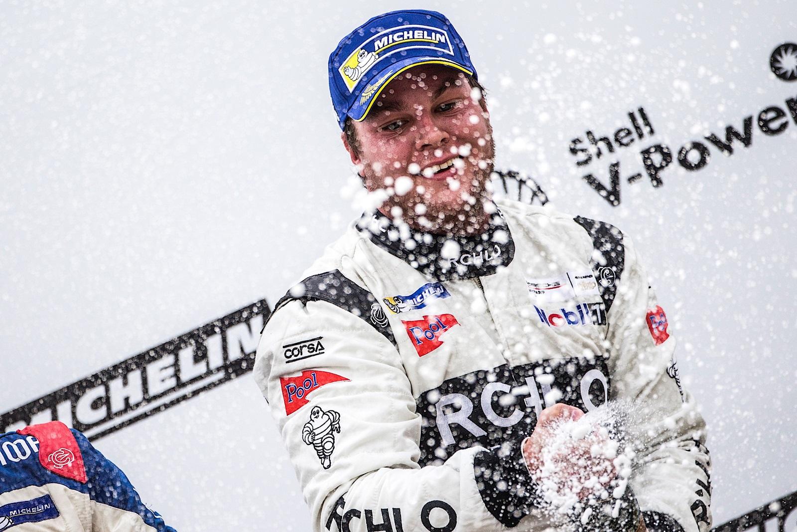 Photo of Porsche Cup – Werner Neugebauer vence de ponta a ponta mais uma corrida na Porsche Carrera Cup