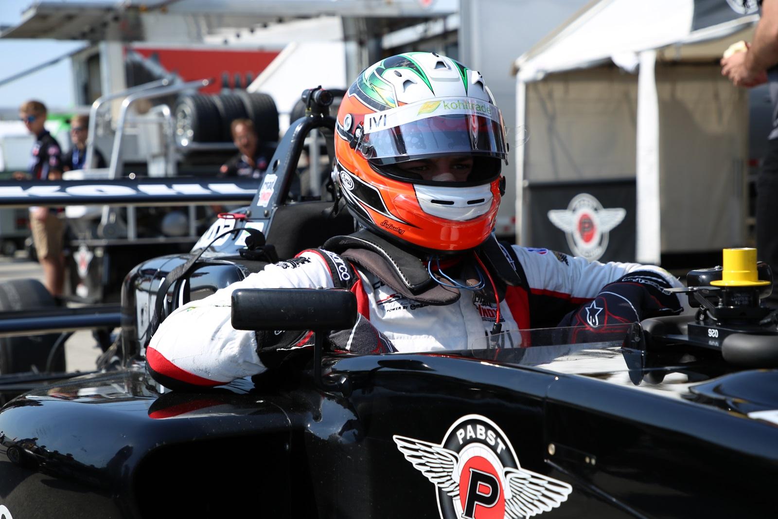 Photo of USF2000 – Lucas Kohl salva pontos em corrida cheia de acidentes em Indianápolis