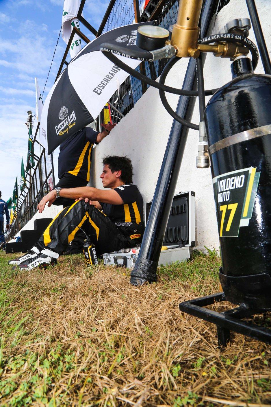 Photo of Stock Car – Valdeno busca pontos para entrar nas férias da Stock com o pé direito