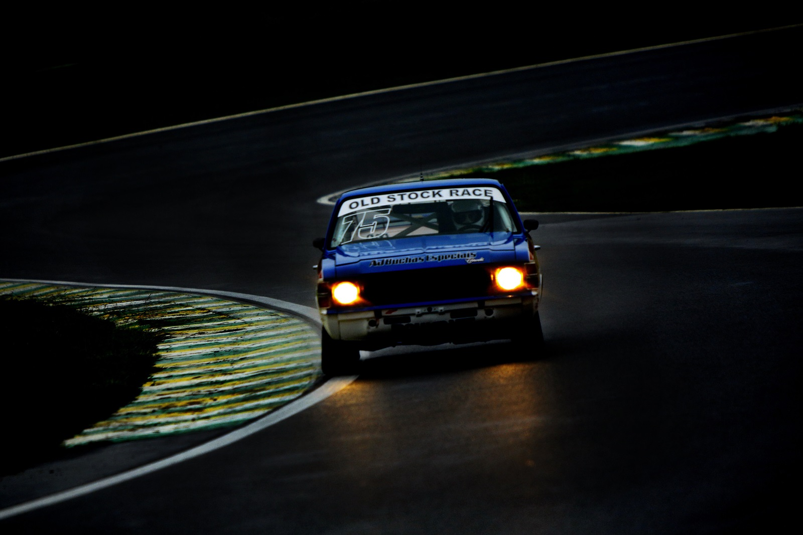 Photo of Old Stock Race – Prova Noturna Resgata o Charme do Automobilismo.