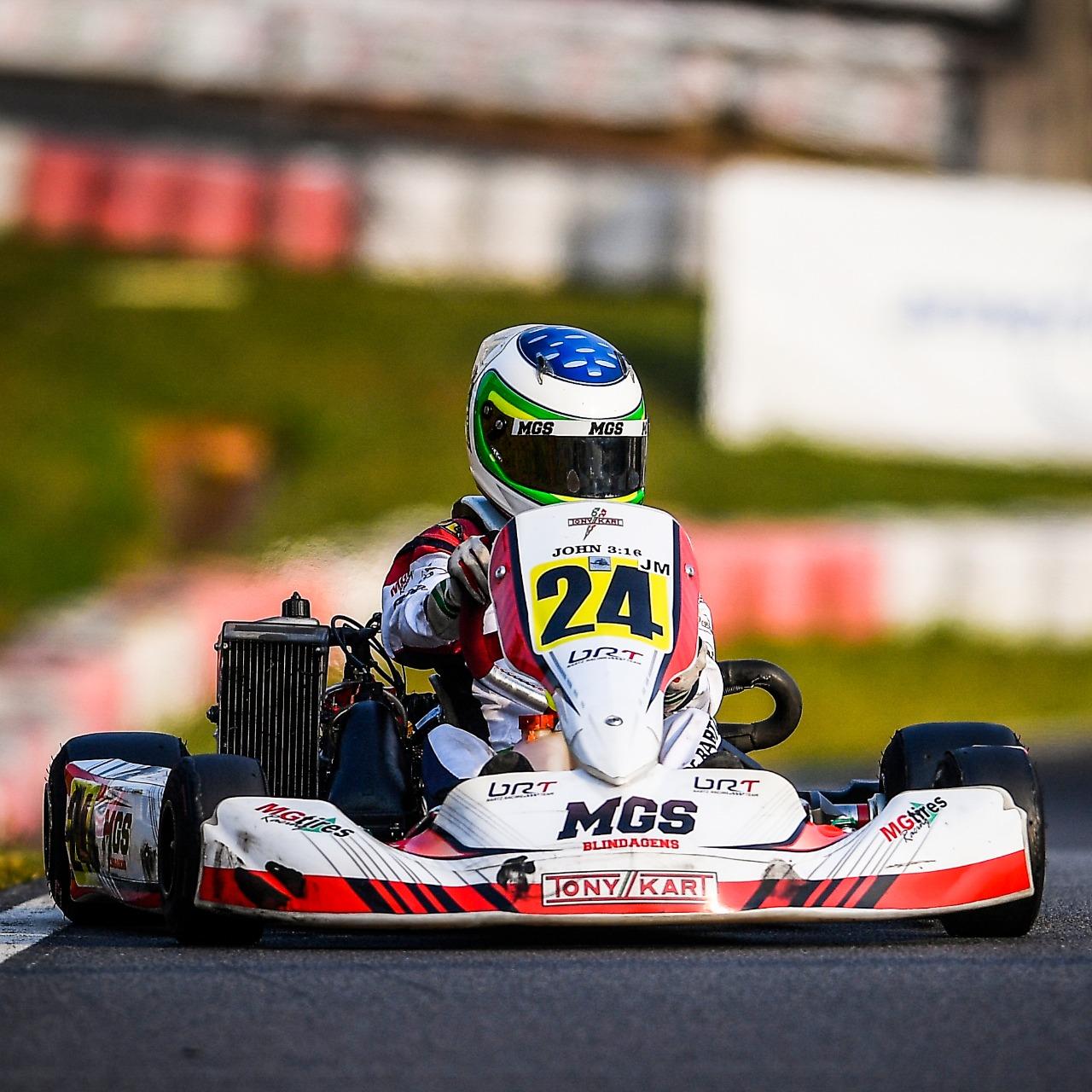 Photo of Kart – Felipe Bartz comemora vitória no Open do Brasileiro e vice no Sul-Americano de Rotax na Granja Viana