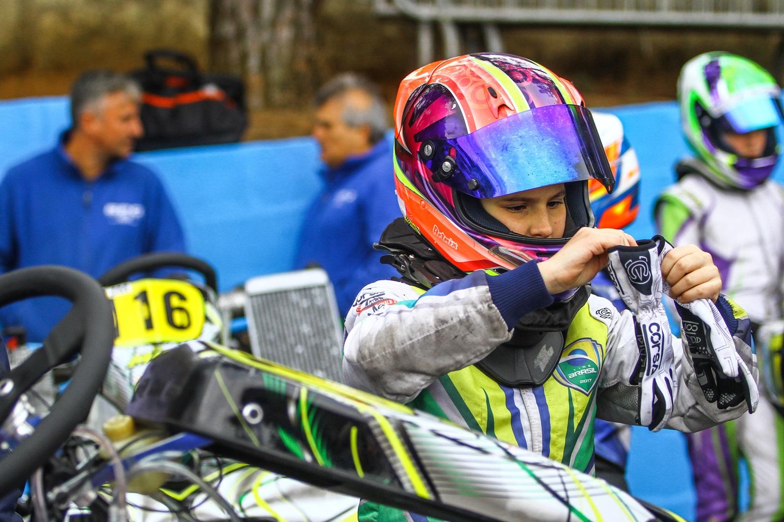 Photo of Kart – Antonella Bassani destaca evolução e se prepara para 2ª fase do Campeonato Brasileiro de Kart
