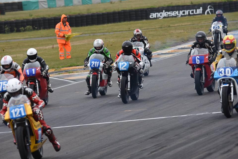 Photo of Motovelocidade – ICGP: Bob Keller sobe para o terceiro lugar no campeonato da categoria 250 cm³