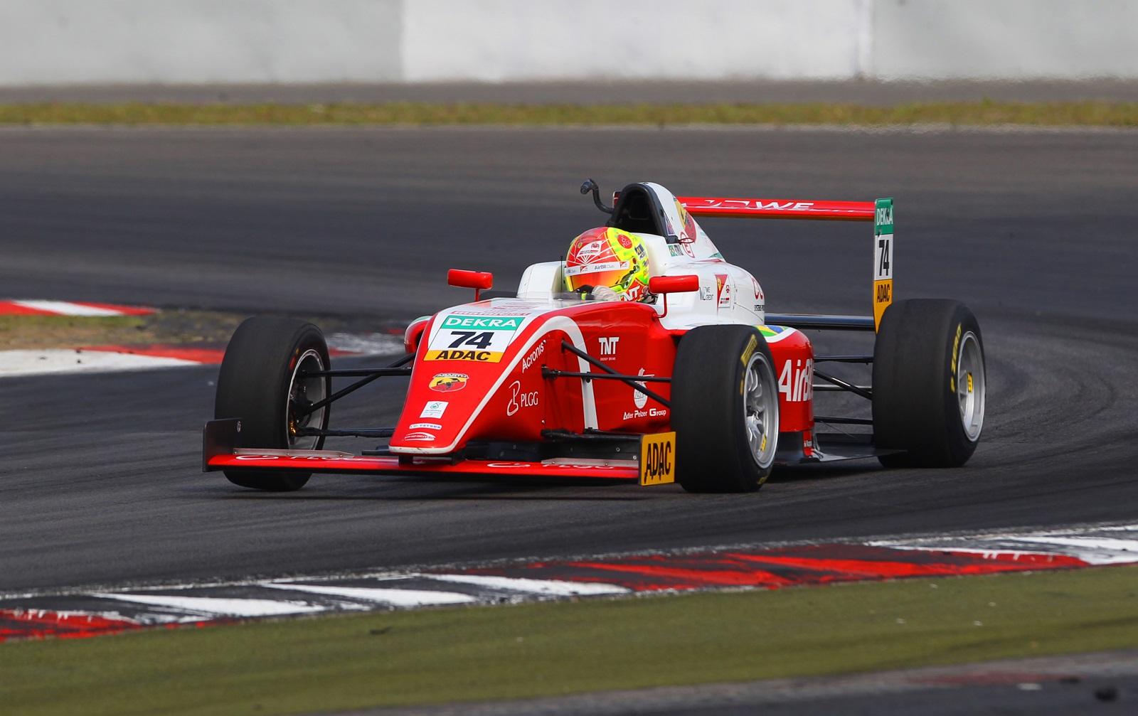 Photo of F4 – Enzo Fittipaldi conquista três pódios em Nurburgring e assume vice-liderança na F4 Alemã