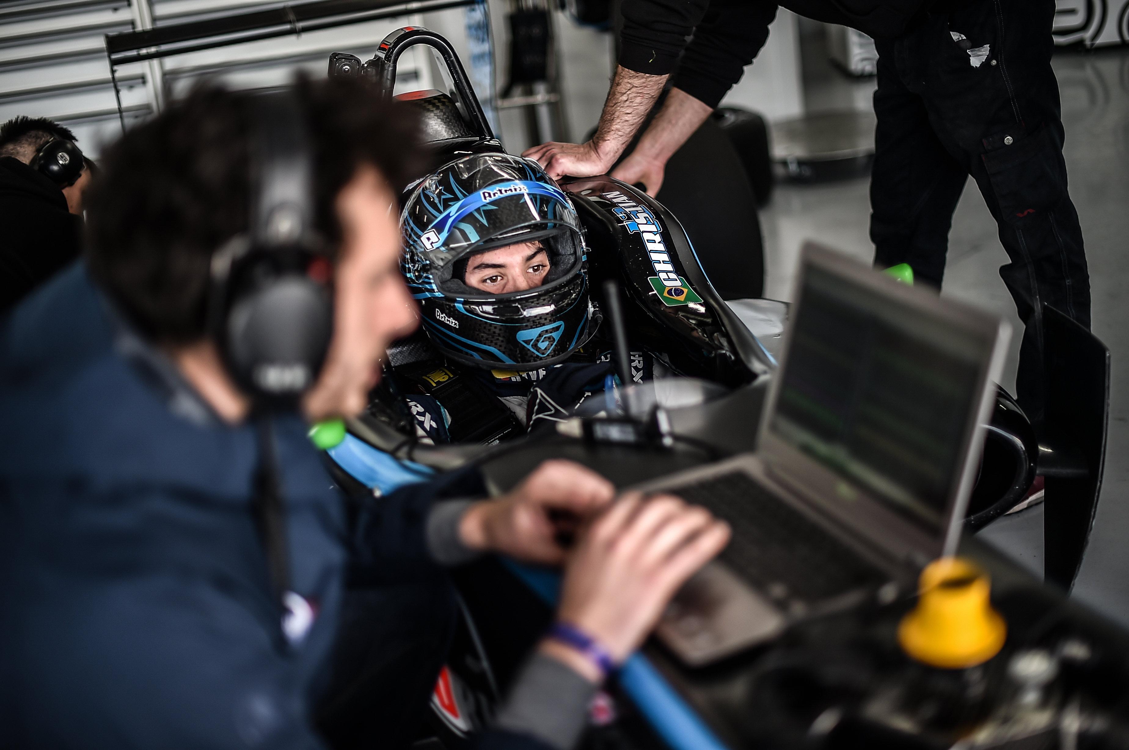 Photo of F3 – Christian Hahn vai a Silverstone brigar pelo seu primeiro pódio na Euroformula Open