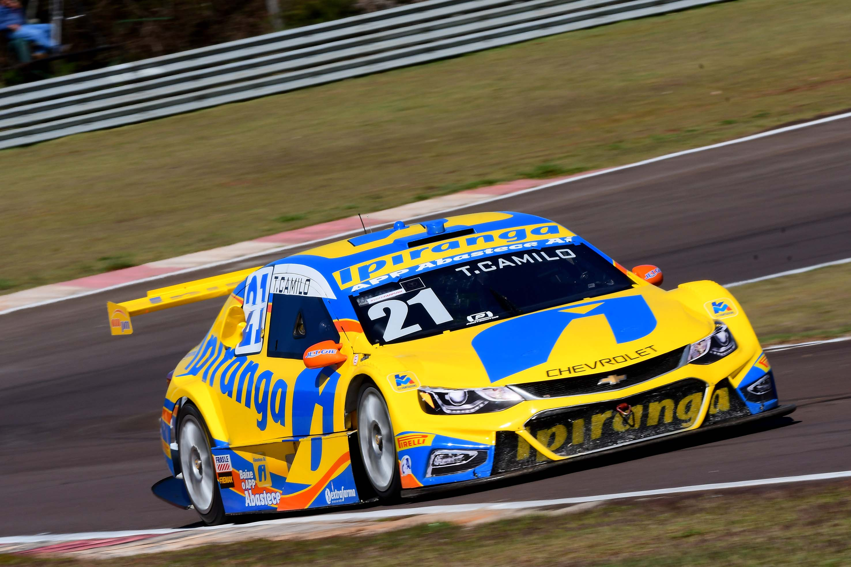 Photo of Stock Car – Thiago Camilo é o mais rápido do dia em Cascavel