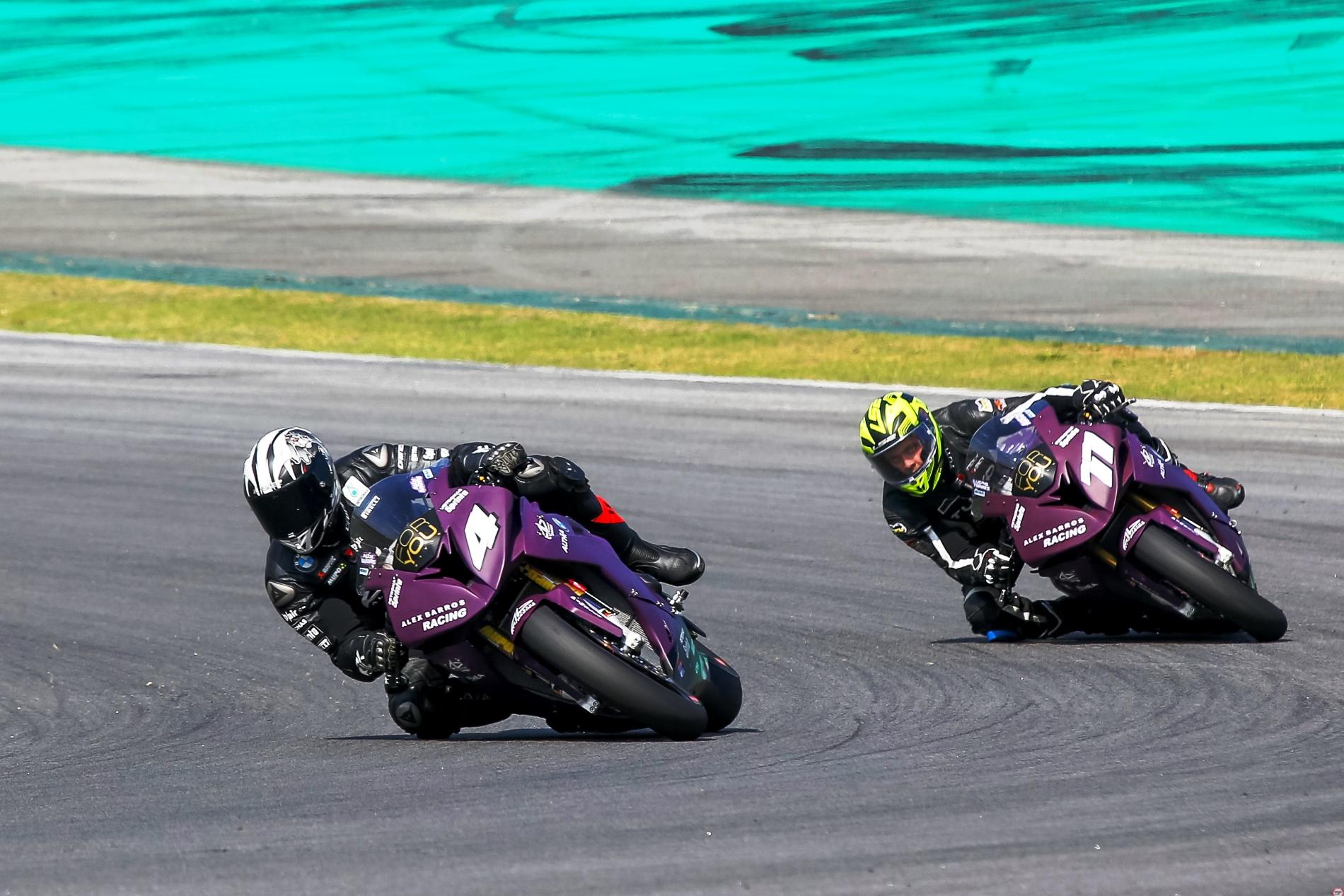 Photo of SuperBike Brasil – Alex Barros Racing garante primeira e segunda fila no grid da 6ª etapa em Goiânia