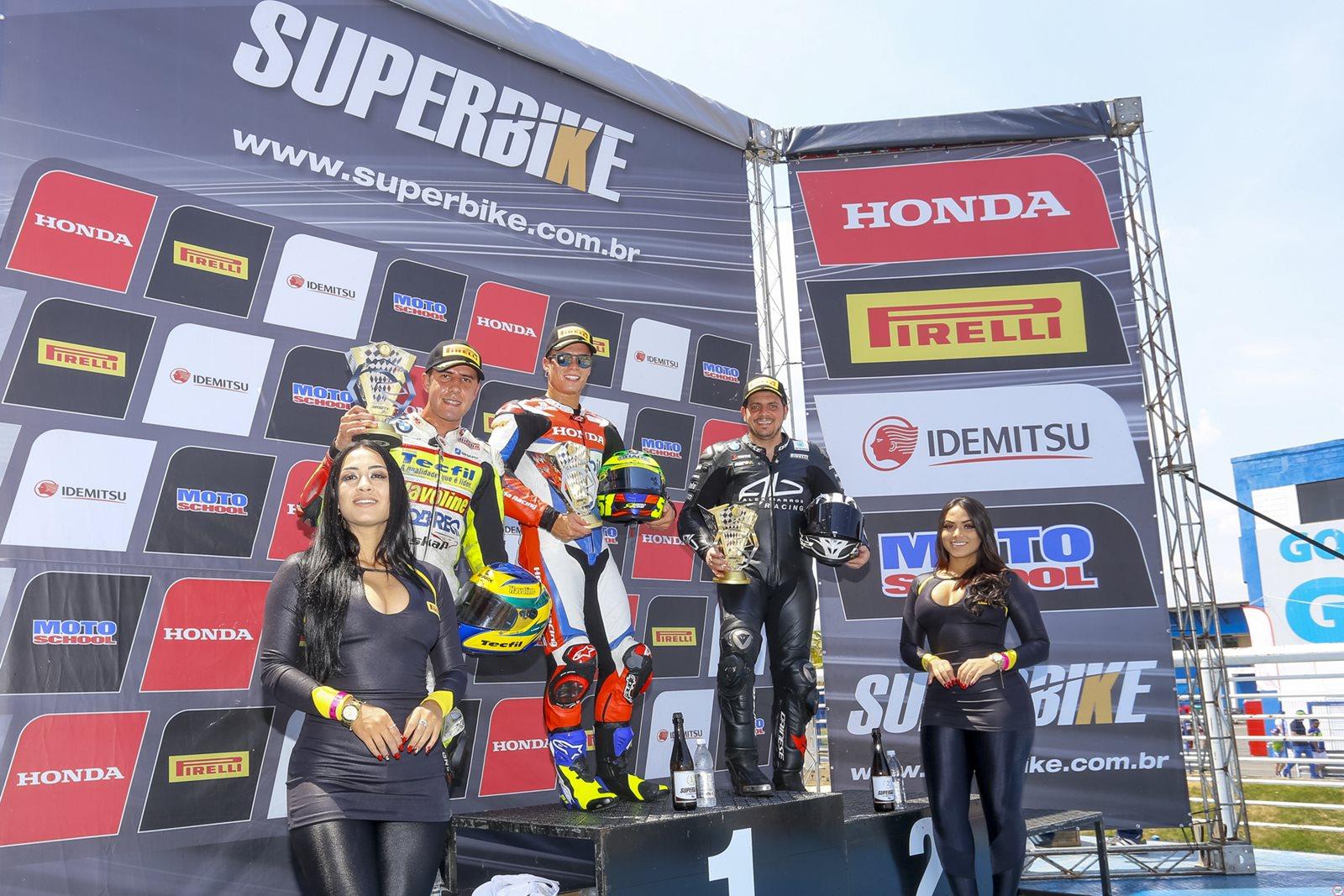 Photo of Superbike Brasil – Alex Barros vai ao pódio nas duas corridas em Goiânia, válidas pela 6ª etapa do SuperBike Brasil