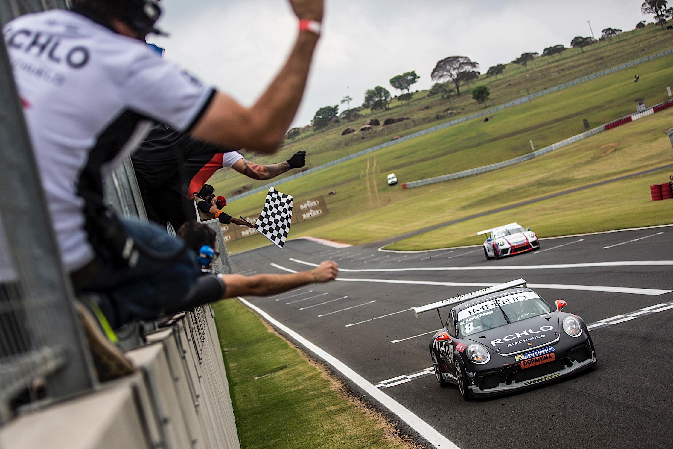 Photo of Porsche Cup – Werner Neugebauer conquista mais uma vitória na Porsche Carrera Cup 4.0