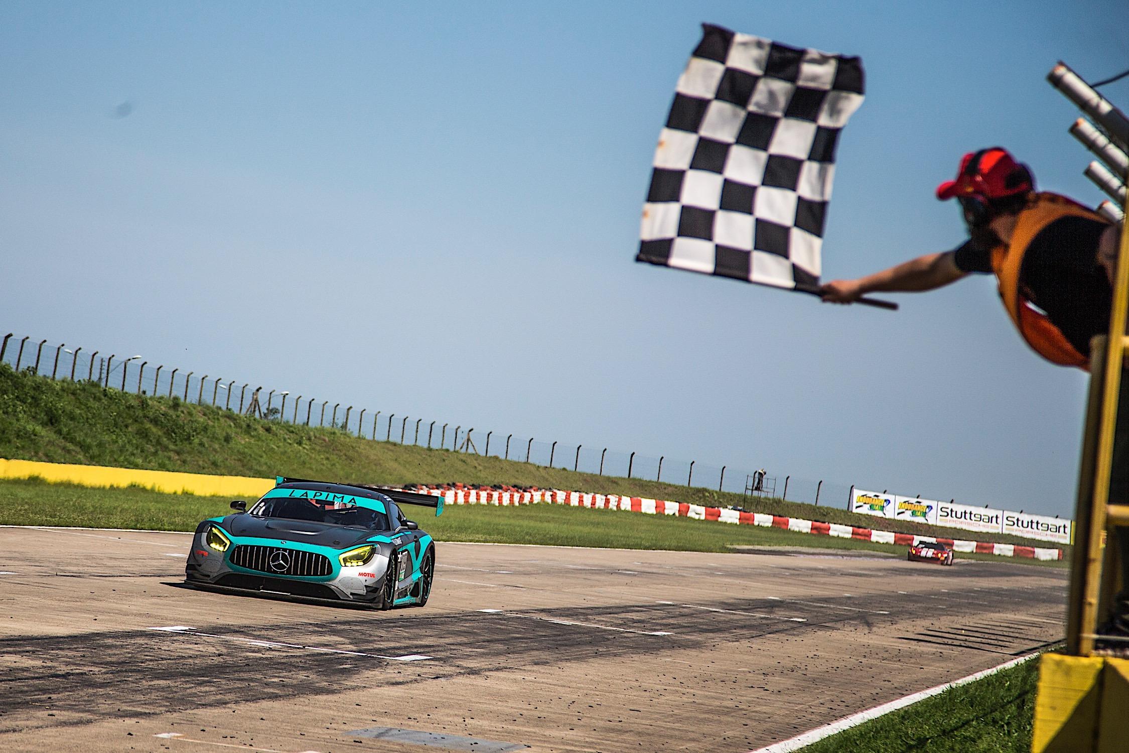 Photo of Endurance Brasil – Xandy e Xandinho Negrão são líderes do campeonato