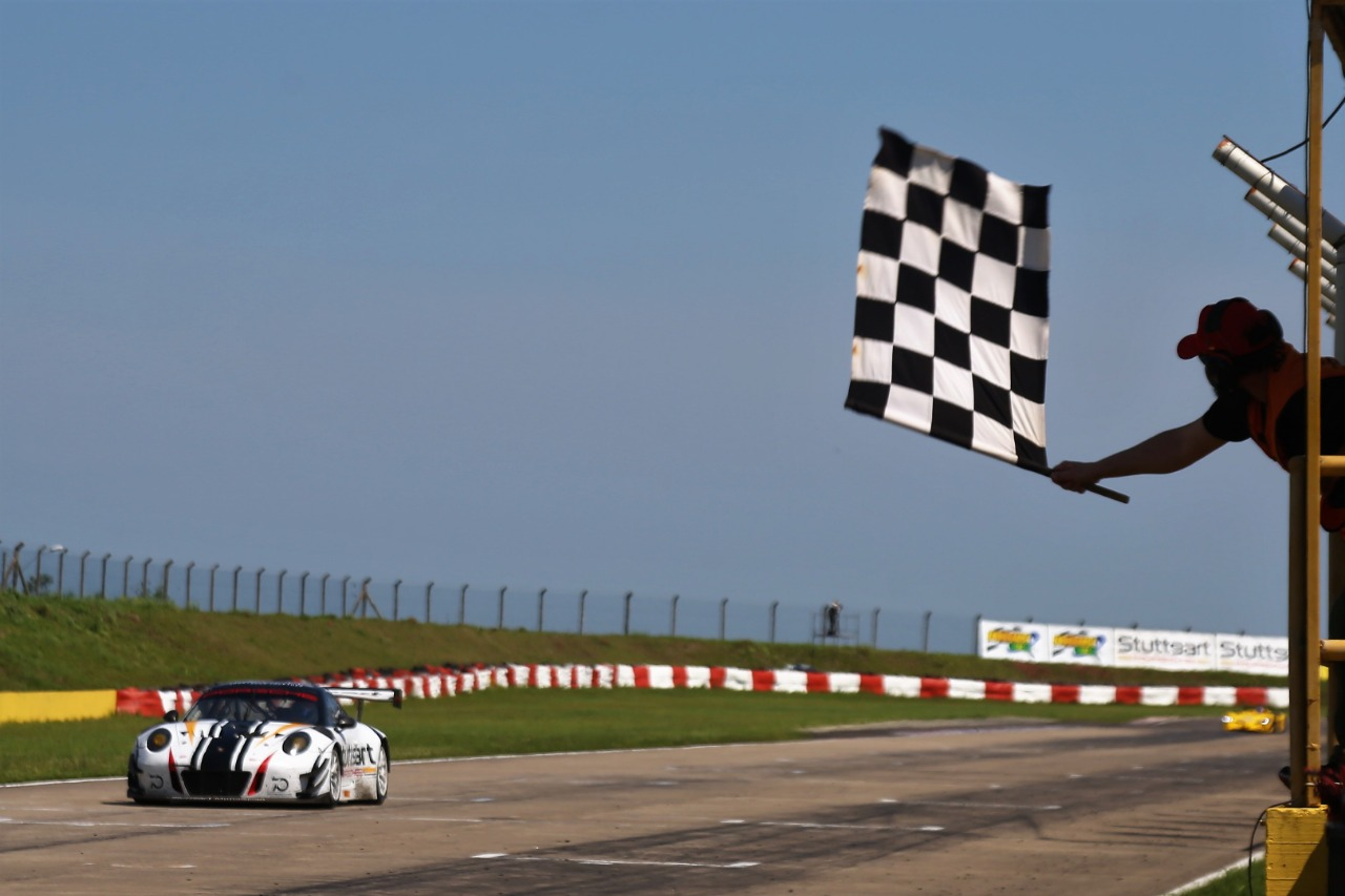 Photo of Endurance – Stuttgart Motorsport chega ao quinto pódio consecutivo no Endurance Brasil