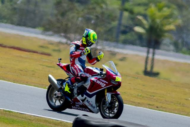 Photo of Superbike Brasil – Eric Granado aumenta a vantagem para o segundo colocado e se aproxima do bicampeonato no SBK