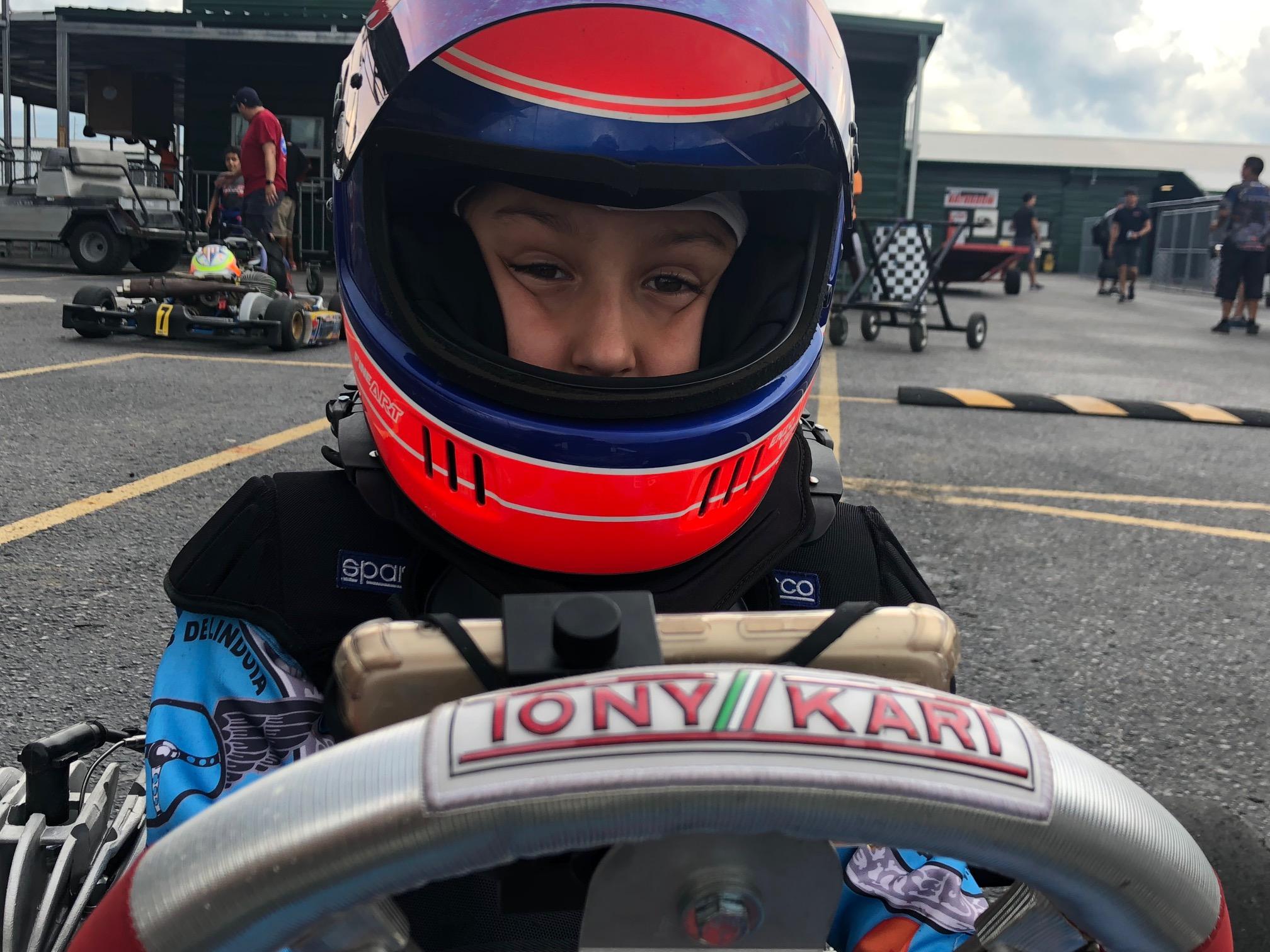 Photo of Kart – Mais jovem campeão brasileiro de kart, Enzo Vidmontiene busca título inédito nos Estados Unidos