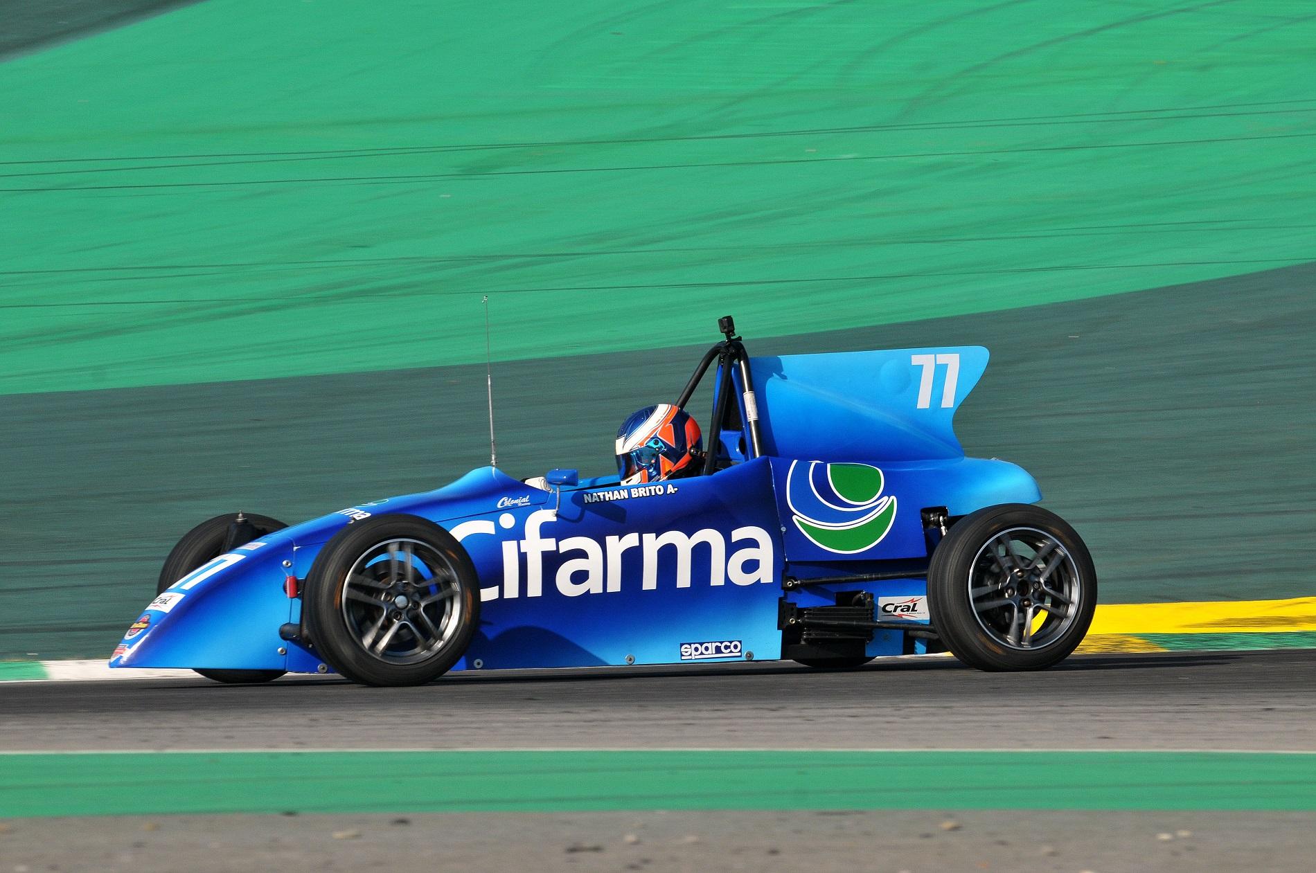 Photo of Formula Vee – Filho de Valdeno Brito é campeão em sua primeira temporada no automobilismo