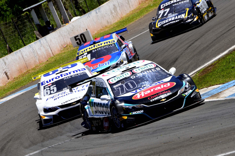 Photo of Stock Car – Diego Nunes crava a volta mais rápida da corrida 2 em Londrina