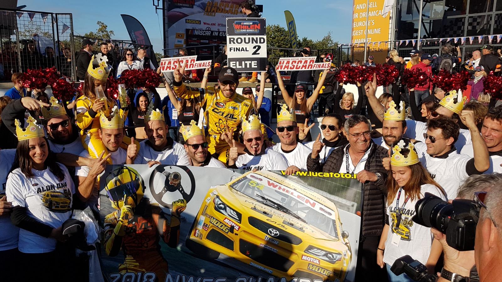 Photo of Euro Nascar – Alon Day e seu # 54 CAAL Racing  conquista o segundo título NASCAR Whelen Euro Series consecutivo, Arianna Casoli no Lady Cup e Legend Trophy pódios.