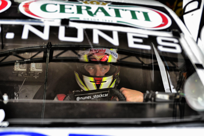 Photo of Stock Car – Diego Nunes larga na segunda fila em Goiânia