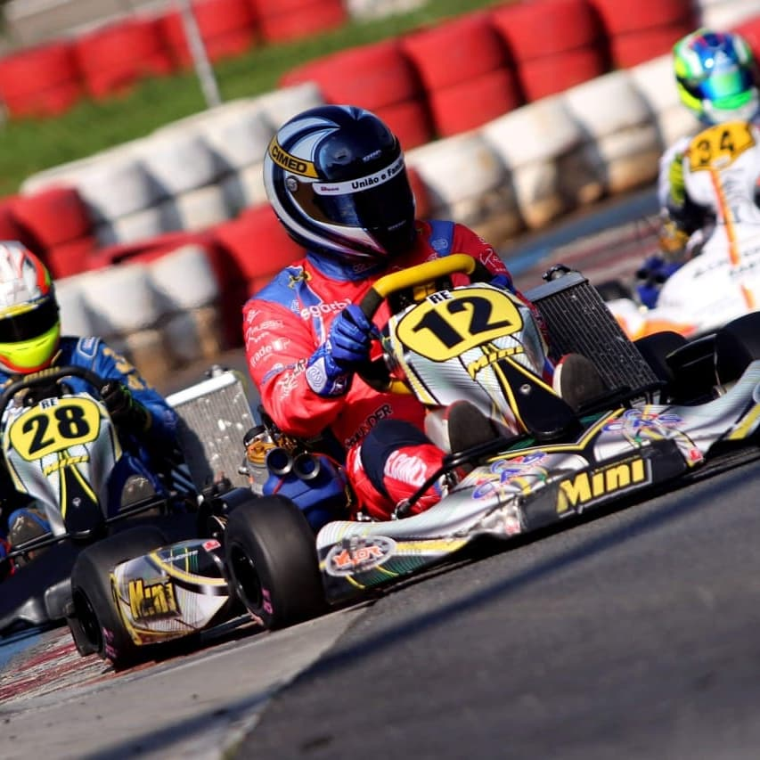 Photo of Kart – Time Cimed Racing conquista quatro títulos no kart com Renato Russo e Heitor Farias