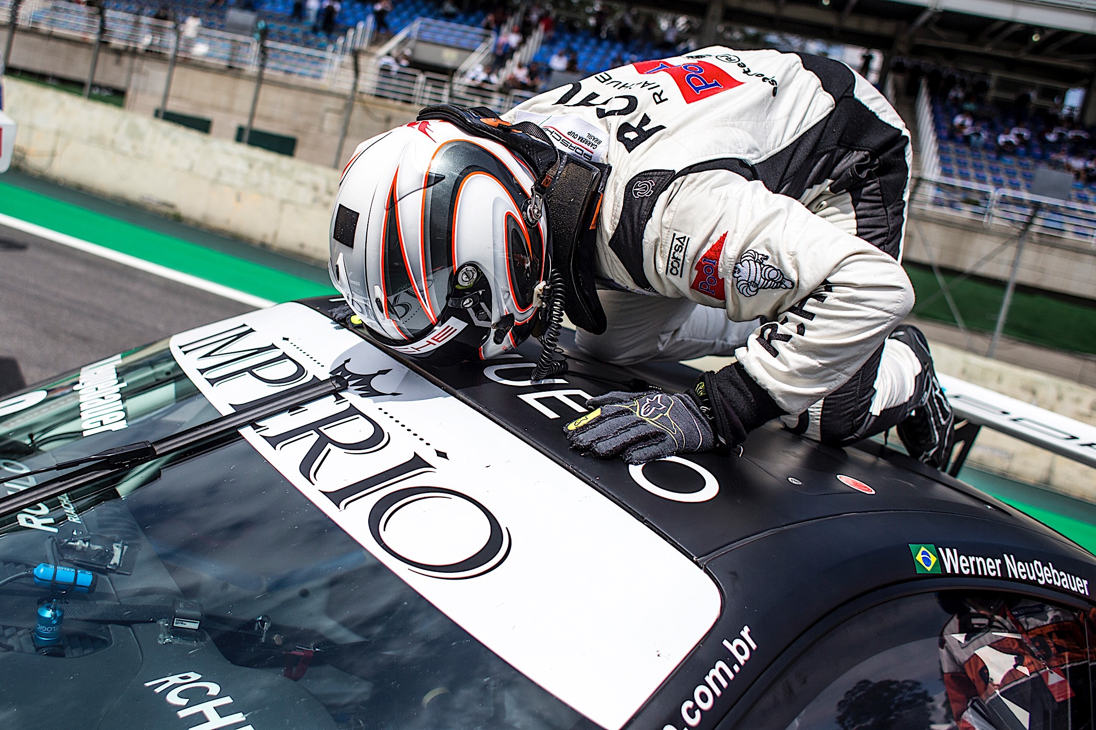 Photo of Porsche GT3 Cup – Werner Neugebauer é o campeão da Carrera Cup 4.0 2018