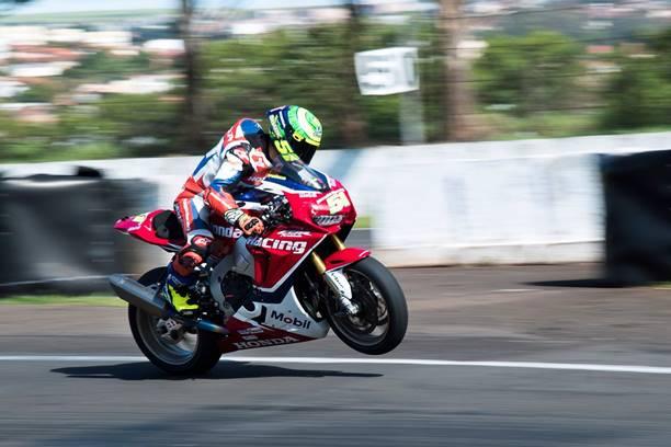 Photo of Superbike Brasil – Eric Granado é o mais rápido no primeiro dia de treinos em Londrina
