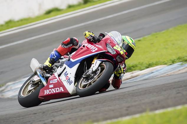 Photo of Superbike Brasil – Eric Granado larga na pole em Londrina para conquistar o bicampeonato do SuperBike